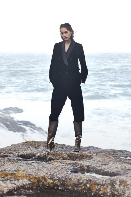 Las botas de Jimmy Choo que han colapsado las redes sociales ya las puedes encontrar muy parecidas y mucho más baratas en Zara