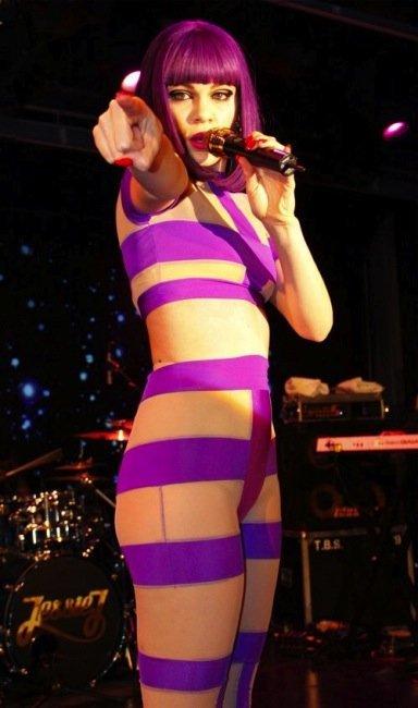 Elige el peor estilismo Jessie J en su último vídeo: cuesta escoger sólo uno, ¿eh?