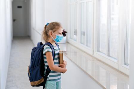 Los grupos burbuja en los colegios están afectando a la salud emocional de los niños tímidos: cómo ayudarles