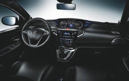 Lancia-Ypsilon-2011-24