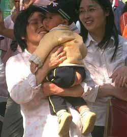 Bebés chinos con el culo al aire