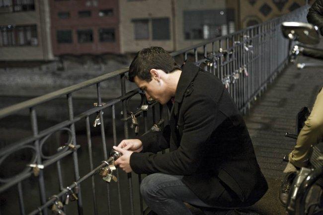 Mario Casas sufre mucho en la secuela de '3 metros sobre el cielo'