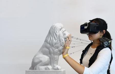 Tirar de los dedos con cables: la idea de unos investigadores para que podamos sentir que tocamos cosas en realidad virtual