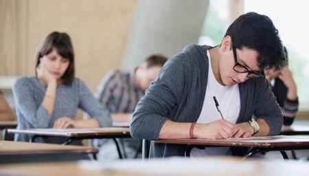 Maestros de educación básica usando internet para enseñar en México; así es el reto LearnStorm de Khan Academy