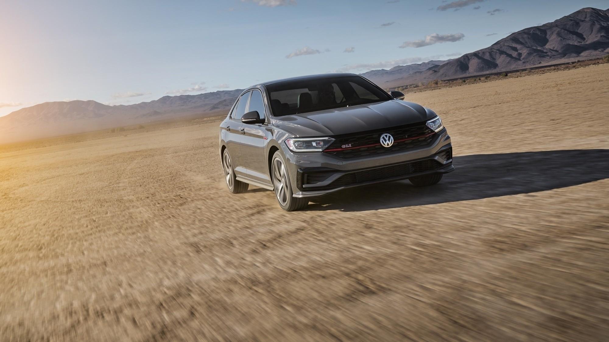 Foto de Volkswagen Jetta GLI 2020 (27/27)
