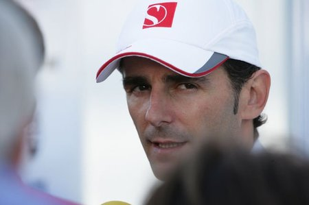GP de Canadá 2011, sesiones libres del viernes. El muro de los campeones no perdona. Pedro Martínez de la Rosa vuelve a competir