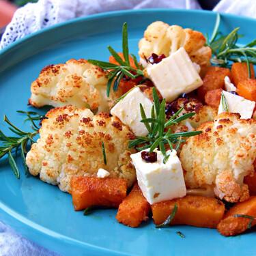 Verduras asadas al limón con feta marinado: receta saludable al horno