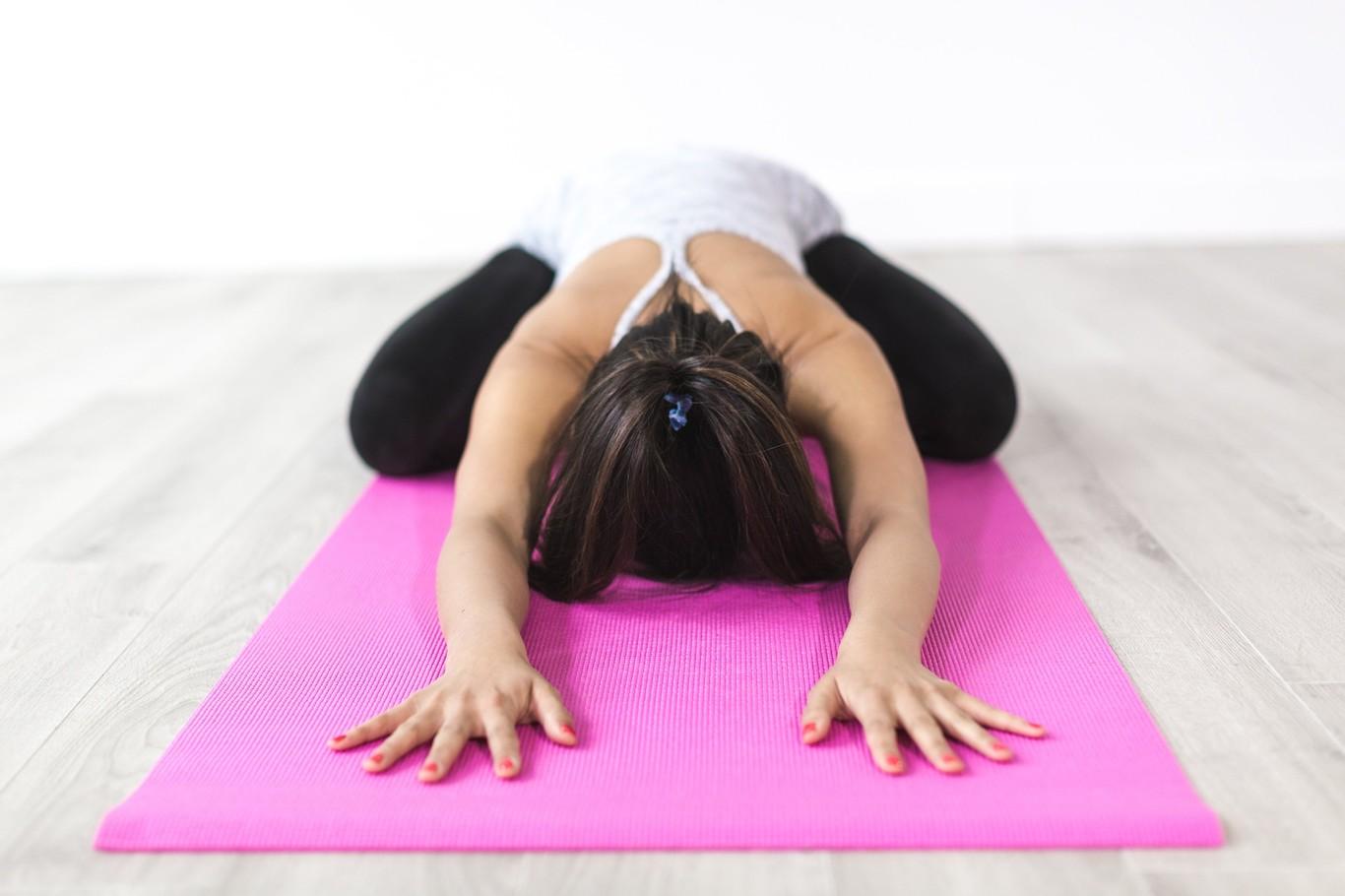 que es mejor pilates o yoga para bajar de peso