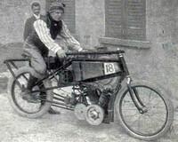 La primera carrera de motos celebrada en España