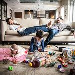 21 divertidas fotografías que muestran con humor el lado menos amable de tener hijos