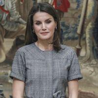 Definitivamente, el gris es el color que menos favorece a la Reina Letizia
