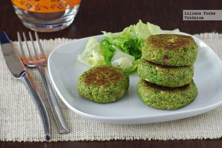 Medallones de brócoli veganos. Receta saludable