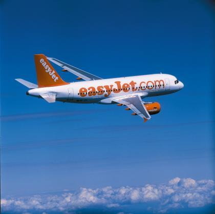 Easy Jet inaugura hub en Madrid: ofrecerá 16 destinos y 360 vuelos semanales en la capital.