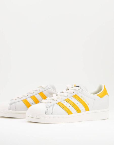 Zapatillas De Deporte Blancas Y Amarillas Superstar De Adidas Originals