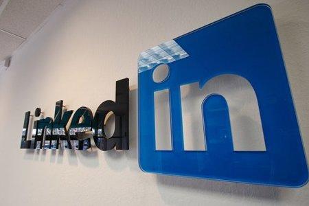 LinkedIn permite que pongas tu experiencia como voluntario en organizaciones benéficas
