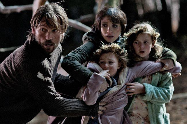 Nikolaj Coster-Waldau y Jessica Chastain en una escena de Mamá