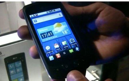 LG Optimus One muestra su agilidad de movimientos en vídeo para romper el hielo