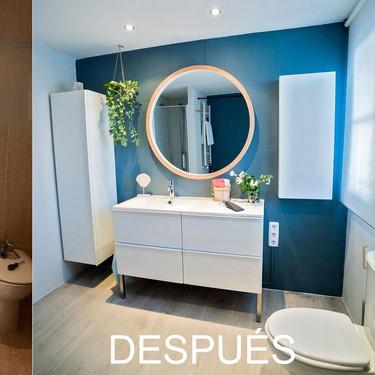 Antes y después de un baño sin obras al que se le ha añadido color y más capacidad de almacenaje