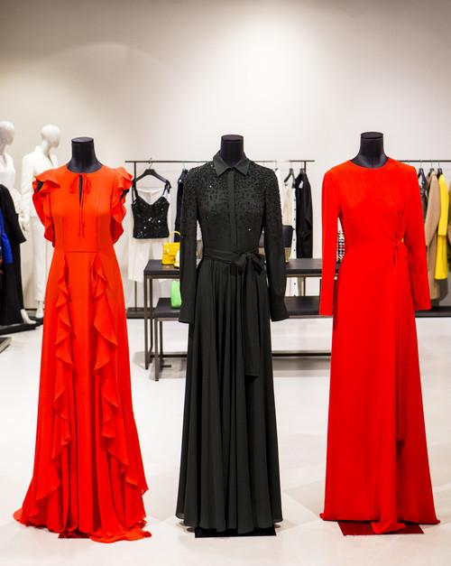 El color invade la colección Otoño-Invierno 2016 de Escada