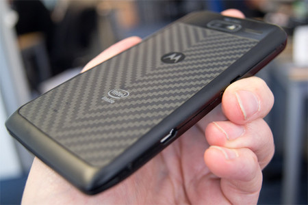 Según Google los próximos móviles de Motorola serán resistentes y con gran autonomía