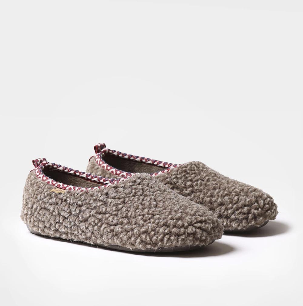 Zapatillas de casa de mujer Toni Pons hechas en tejido color marrón