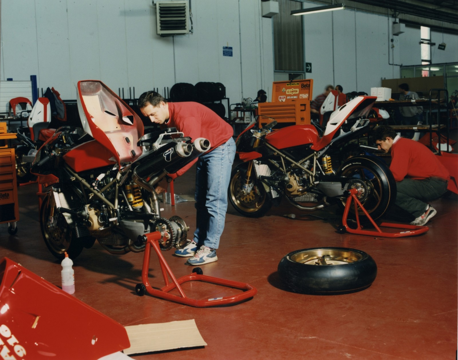 Foto de Ducati Panigale V4 25° Anniversario 916 (43/73)
