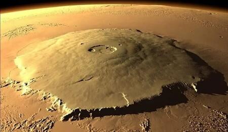 El volcán más grande conocido de todo el Sistema Solar se encuentra en el Monte Olimpo de Marte