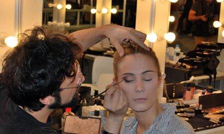 Maquillaje de novia paso a paso: en el backstage de Hannibal Laguna. Imágenes exclusivas