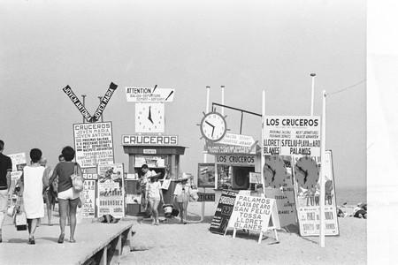 'Costa Brava Show', el irónico retrato del nacimiento del turismo de masas de Xavier Miserachs, ahora expuesto en Madrid