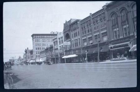 Una cápsula del tiempo de Oklahoma nos devuelve una cámara de Kodak centenaria con película y todo