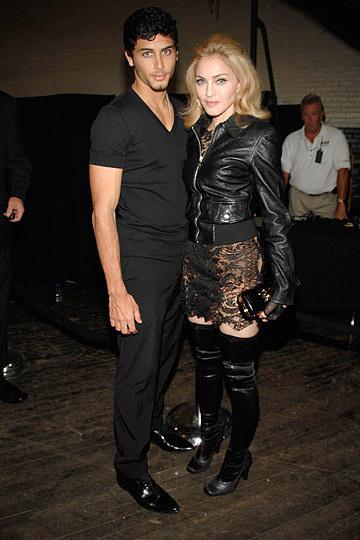 Foto de Blake Lively, Madonna y otras famosas en los distintos front row de la Semana de la Moda de Nueva York (1/17)