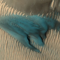 Dunas azúles y cráteres amarillos: los mil y un colores de Marte, el planeta que no es sólo rojo