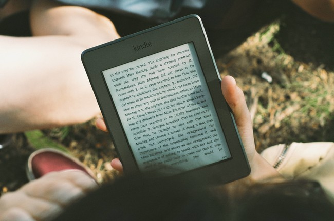 Estos son los libros que puedes leer en lo que tardas en leer los términos y condiciones del Kindle