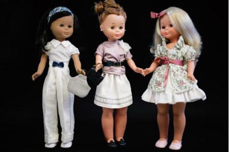 Los trajes de muñeca de Ion Fiz