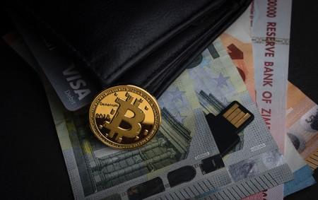 Un irlandés pierde 58 millones de dólares en Bitcoin porque su casero tiró las claves que guardaba en una caja de metal