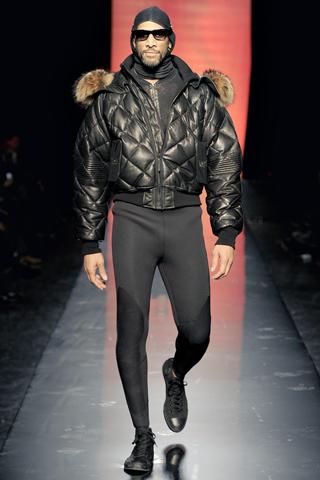 Foto de Jean Paul Gaultier Otoño-Invierno 2011/2012 en la Semana de la Moda de Paris (29/40)