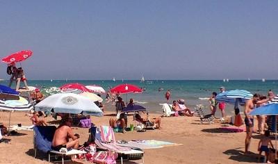 Hay más turistas, pero los españoles nos ahorramos los hoteles