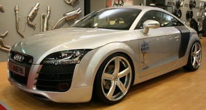 Cómo convertir un Audi TT en un Audi R8