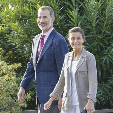 La reina Letizia inaugura la 'vuelta al cole' con un look make up - no make up