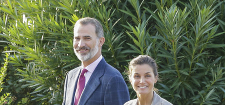 La reina Letizia inaugura la 'vuelta al cole' con un look make up - no make up