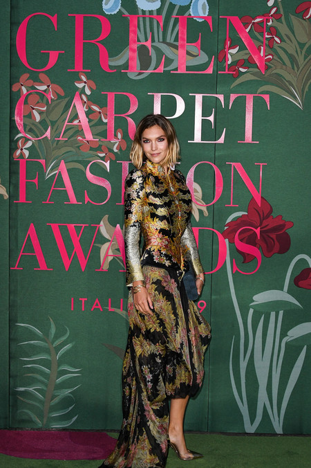 Arizona Muse green carpet fashion awards 2019