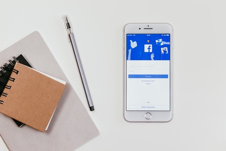 Facebook recula y vuelve a admitir publicidad sobre criptomonedas