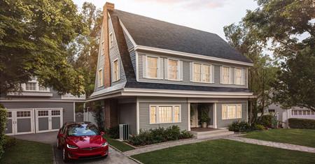 El techo solar de Tesla es más barato que uno normal, tiene garantía de por vida y además, genera electricidad