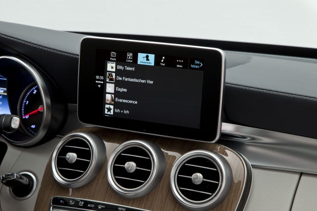 Foto de CarPlay Mercedes Benz Clase C (18/26)