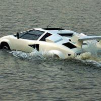 Este Lamborghini Countach anfibio es único, y pariente de algunos coches de Top Gear