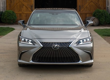 Lexus Es 2019 1600