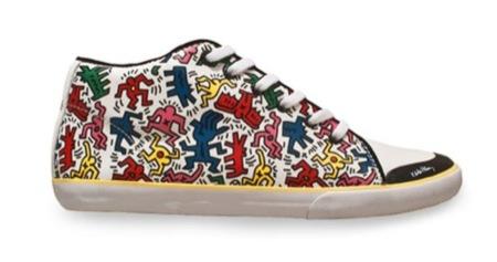Tommy Hilfiger cuenta con Keith Haring para diseñar sus nuevas zapatillas, color