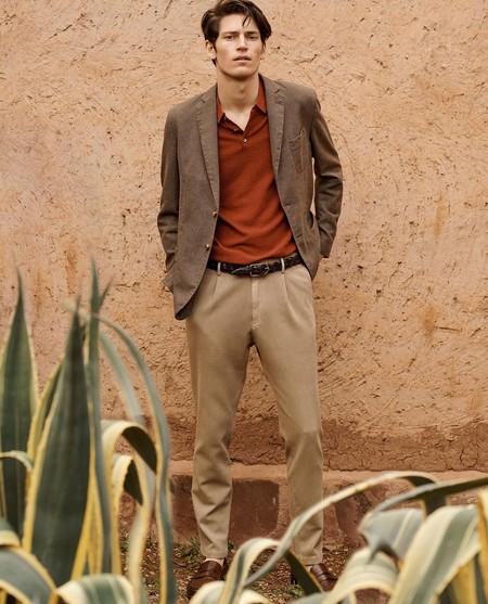 Tonos cálidos y texturas clave: el espíritu libre de Massimo Dutti se lleva así en lo looks de entretiempo
