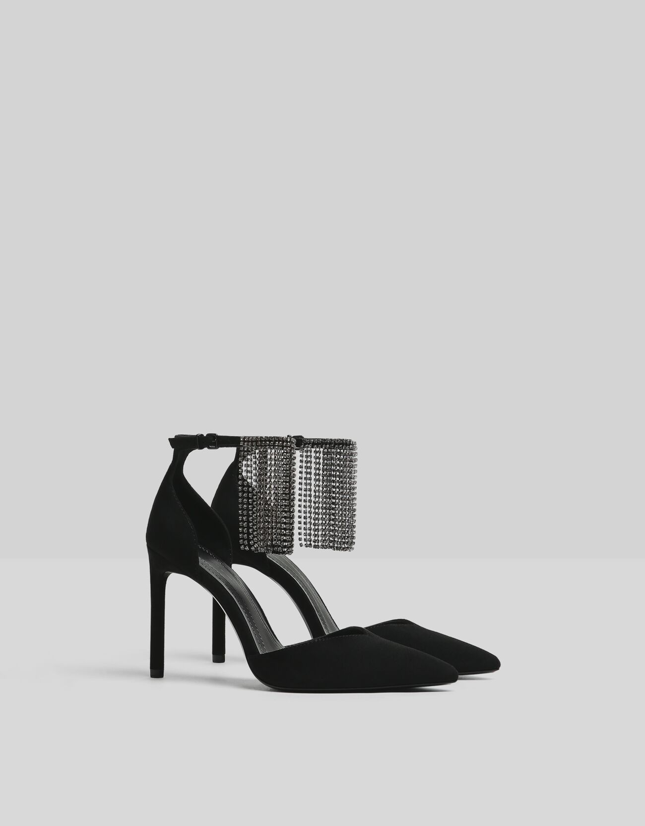 Zapatos con cascada de brillantes
