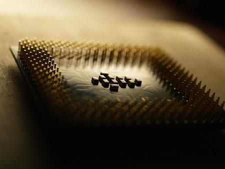 Meltdown es el fallo que afecta a los procesadores Intel, pero Spectre afecta a AMD y ARM: todos somos vulnerables